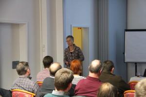Frau Dr. Strieh (Boeringer Ingelheim Tiergesundheit) hält den interessanten Vortrag des Abends.