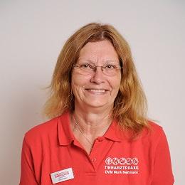 Inge Clasen, Tierarzthelferin